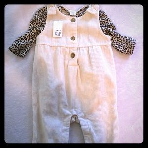 NWT Baby Gap Outfit 3-6 month